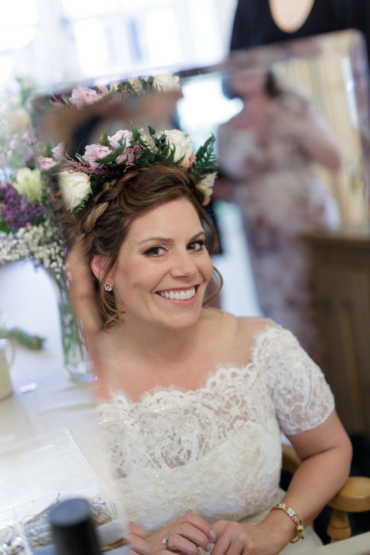 Braideb Bridal Hairstyle Flower Crown Smoky Makeup Amber 150 1