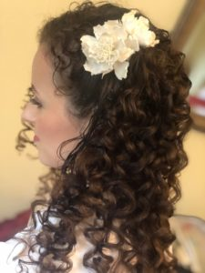 bridal and wedding hairstyles for medium length naturally curly hair, keep your natural curls for your wedding day hair down hairstyle