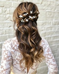 bridal and wedding hairstyles for long naturally curly hair, keep your natural curls for your wedding day low bun hairstyle